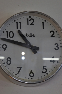 brillie-france-vintage-factory-clock-nz-1