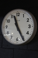 brillie-wall-clock-vintage-industrial