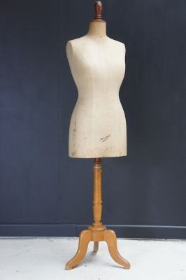 mannequin-antique-french-juvenia-nz-1
