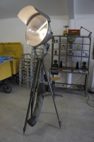 tripod-floor-lamp
