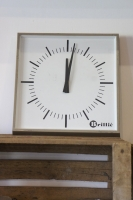 vintage-french-clock-brillie-square-retro-so-vintage